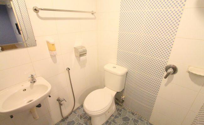 Triple-Single-Bathroom