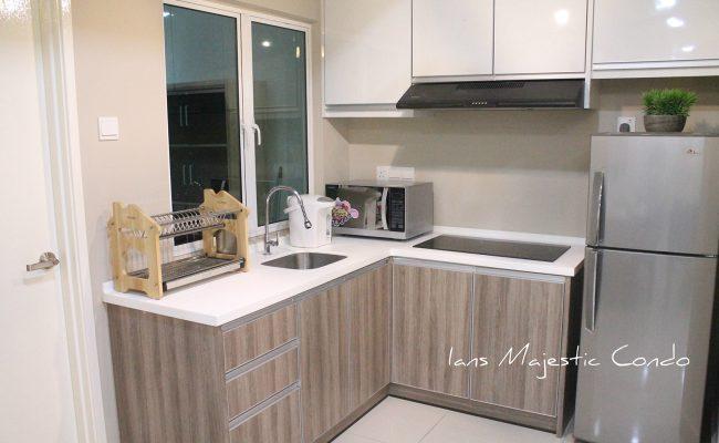 majestic-condo-main-kitchen