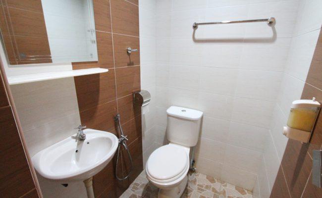 Deluxe-Double-Bathroom