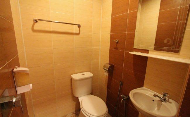 Superior-Single-Bathroom